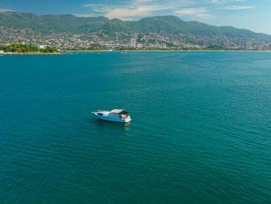 Renta de Yates en Acapulco - Trojan 40