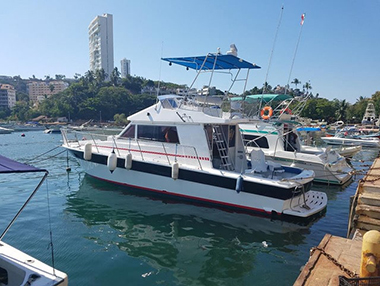 Fiorentino 45 (Omega) - Renta de Yates en Acapulco